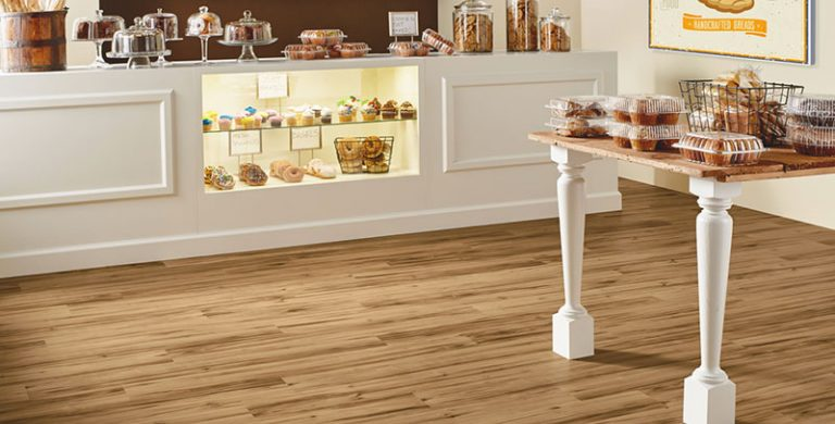 Retail flooring space with design supporting comfort for customers and employees